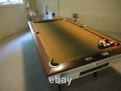 Brunswick Vintage Billard/Pool table with balls/rack/cue sticks and table brush